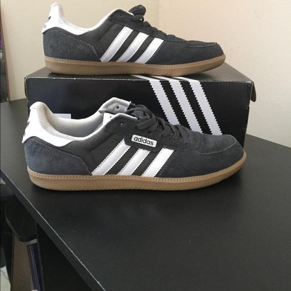 Men's Adidas Leonero